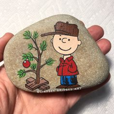 Top Easy Rock Painting Ideas - I Love Painted Rocks Christmas Crafts To Make, Christmas Rock, Snoopy Christmas, Xmas, Merry Christmas, Pebble Painting, Pebble Art, Stone Painting, Painting Art