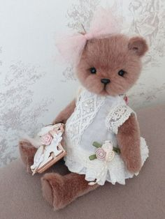 Pascaline the Little Bear by Masselot isabelle Teddy Bear Names, Teddy Bear Clothes, Teddy Toys, My Teddy Bear, Little Critter, Silk Organza, Cute Toys, Doll Crafts, Fabric Dolls