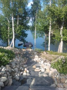 mökki,laituri,mökkiranta Lake Cottage, Garden Cottage, Lake Landscaping, Outdoor Sauna, Summer Cabins, Guest Cabin, Lake Resort, Garden Planning, Garden Paths