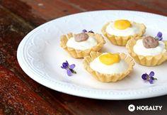 Húsvéti kosárkák Baileys-krémmel és lemon curddel Baileys, Cheesecake, Lemon, Desserts, Food, Tailgate Desserts, Deserts, Cheesecakes, Essen