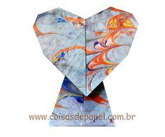 """""""Standing Heart"""" (de Waralow Kami) dobrado com Papel Marmorizado na Oficina de Marmorização de Irene Bulcão"""