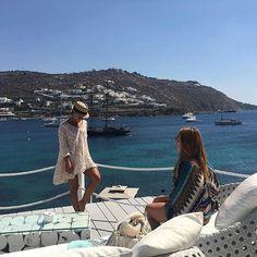 #Goodmorning with a lovely and stylish pic from @caroldacey! #KivotosMykonos #mykonos #mediterranean #greece #ornosbay #yachtprincedeneufchatel