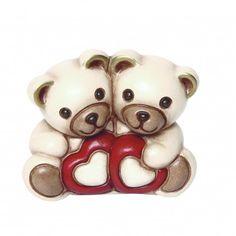 Coppia di teddy con cuori
