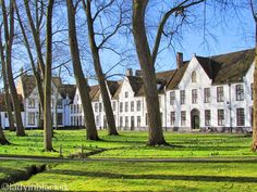lady in black: Romantic Bruges #bruges #belgium #visitbelgium #travel #traveleurope #placestogo #travelblogger #traveltips #europe