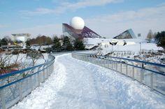 Le Futuroscope sous la neige.