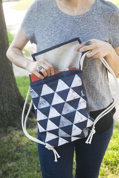 DIY: minimalist backpack: I would put some pockets on the inside and outside!