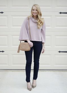 Styling this cropped sweater with flared sleeves + Gucci disco purse on Strawberry Chic / @xoamandajohn