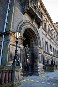 University of Edinburgh Medical School... If only we lived in Scotland :)