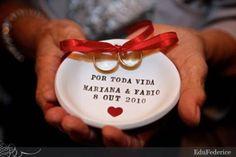 Continuação do post anterior, segue mais ideias interessantes para as Noivas de Plantão!!!     SEGURANÇA PARTICULAR       ALMOFADA COM MIKEY...