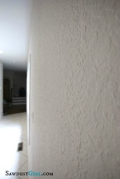 In this post I'm showing you how to skim coat over wall texture to create a smooth finish. Smoothing wall texture can be time consuming but it id DIY'able. Stucco Interior Walls, Stucco Walls, Plaster Walls, Removing Textured Walls, Remove Texture From Walls, How To Texture Walls, Knockdown Texture Walls, Skim Coating, Patterns