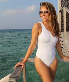 0dc9e5ab58e68 11 Best Liz Hurley images in 2019