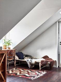 The photographers' duplex in Stockholm - New Deko Sites Scandinavian Style, Scandinavian Interior, Home Interior, Interior And Exterior, Interior Decorating, Interior Design, Architectural Digest, Sweet Home, Duplex