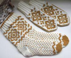 Mønster selges :Selbuvotter/sokker -frodige blomster,Heidis vott- Kløverslekta | FINN.no Fair Isle Knitting, Knitting Socks, Mitten Gloves, Mittens, Holidays And Events, Free Pattern, Knitting Patterns, Knit Crochet, Monogram