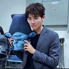 Hyungsik aa.. just love your expression ..haha ..hemmm