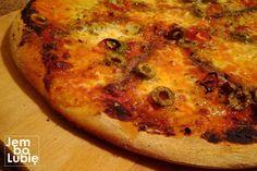 Jak w domu zrobić pizzę taką jak w pizzerii? Kilka zasad, których trzeba się trzymać [PRZEPIS] - Kulinarna Polska | Gotowanie i jedzenie Vegetable Pizza, Quiche, Food And Drink, Cheese, Vegetables, Breakfast, Recipes, Food Heaven, Pies