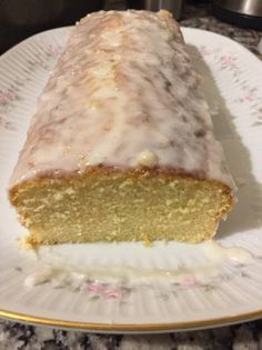 Budin húmedo de limón Baking Recipes, Cake Recipes, My Favorite Food, Favorite Recipes, Pan Dulce, Sweet Cakes, Sweet Bread, Cakes And More, Yummy Cakes