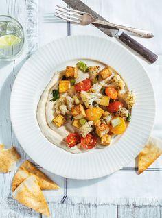 Sautéed Tofu and Vegetables with Yogurt Hummus Vegetarian Recepies, Vegan Recipes, Ricardo Recipe, Confort Food, Main Meals, Food Dishes, Healthy Eating, Dinner, Recipes