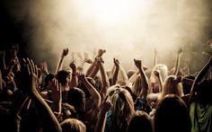 Ecco le date dei più importanti concerti e spettacoli a Cagliari per l'estate 2013. Dal 25 maggio al 7 settembre i migliori concerti e spettacoli a Cagliari pensati per tutti, bambini compresi: