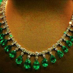 Emerald Jewelry Jewellery Designs: Unique yet Elegant Diamond Emerald Set beautiful gold necklace with emerald and rubies Latest Indian Ruby Beads Diamond Emerald Necklace, Emerald Jewelry, Diamond Pendant Necklace, Gemstone Jewelry, Collier Simple, Bijoux Art Deco, Silver Bangle Bracelets, Simple Necklace, Schmuck Design