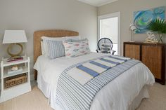 Texas Gulf Coast Beach House – Home Bunch Interior Design Ideas agreeable gray – Toptrendpin Coral Bedroom, Bedroom Orange, Bedroom Paint Colors, Greige, Agreeable Gray, Bedroom Layouts, Bedroom Ideas, Luxury Interior Design, Interior Paint