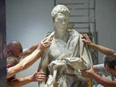Caravaggio rivive nei «tableau vivant» di Santo Spirito