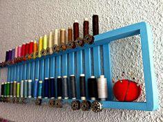 Reciclando: Bandeja de bañera convertida en organizador de hilos | Aprender manualidades es facilisimo.com