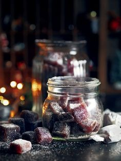 Whether you're making mulled wine jelly sweets for yourself or as a gift for friends try this recipe from Jamie Oliver for perfect results every time.