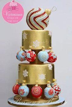 Dort marcipánový * vánoční - zdobený barevnými ozdobami.