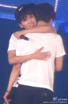 #YeWook moment. Yesung is cry and Ryeowook help him to hug Yesung. SS5 in Seoul