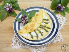 Omlet francuski ze szparagami i kozim serem