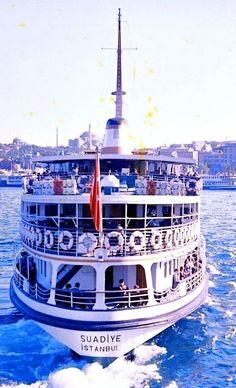Denize 1962 yılında kavuşan Suadiye Vapuru... #birzamanlar #istanbul #oldpics…