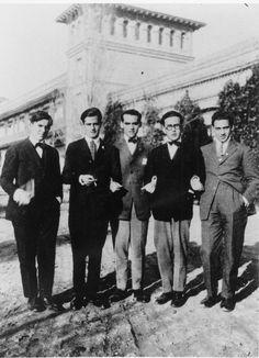 Federico García Lorca en la Residencia de Estudiantes, Madrid 1920. Es tiempo de fiestas, tertulias y conferencias...