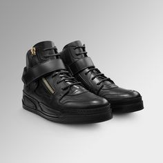 Casual indulgence. Find more #Versace Men's shoeson versace.com  #VersaceSneakers