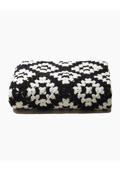 Square Crochet Stole Inspiration ❥ 4U // hf  http://www.pinterest.com/hilariafina/