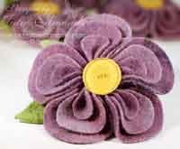 Meredith, these would be awesome boutonnieres!! Fabric Flower Pins