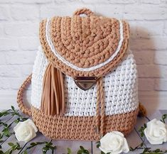 Surprisingly nice backpack gray pink color will become your indispensable compan Crochet Sole, Diy Crochet, Crochet Handbags, Crochet Purses, Crochet Designs, Crochet Patterns, Crochet Backpack, Crochet Market Bag, Crochet Beanie Pattern