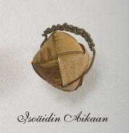 Birch bark rattle / tuohihelistin http://www.isoaidinaikaan.fi/product_info.php?products_id=19