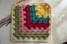 . Motifs Granny Square, Crochet Blocks, Granny Square Crochet Pattern, Crochet Squares, Crochet Motif, Crochet Stitches, Knit Crochet, Crochet Patterns, Granny Squares