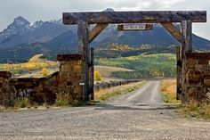 Ranch Entry Gate Designs Google Search Fencing Farm Fence