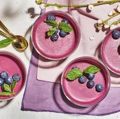 Blåbärspannacotta | Recept ICA.se Fika, Handmade Candles, Tart, Sugar, Cookies, Desserts, Recipes, Yoghurt, Corning Glass