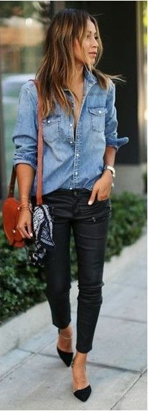Camisa jeans, calza engomada.