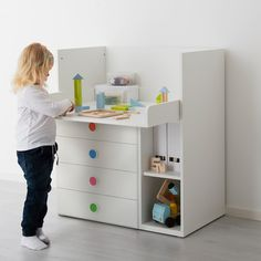 STUVA / FÖLJA Changing table with 4 drawers, white, cm. It's so much more than just a changing table! It grows with your child and easily converts into a play table or desk. It's a durable piece of furniture that can stay in your home for many years! At Home Furniture Store, Modern Home Furniture, Affordable Furniture, Ikea Changing Table, White Changing Table, Ikea Stuva, Painted Drawers, Small Shelves, Frame Wall Decor