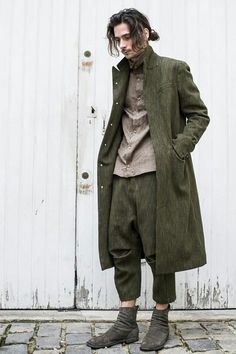 """Check out the Fall/Winter 2016 menswear collection from Japanese brand Individual Sentiments. """"Individual Sentiments is a label that mixes Japanese. Mode Alternative, Mori Fashion, Estilo Hippie, Character Outfits, Look Cool, Costume Design, Aesthetic Clothes, Menswear, Street Style"""