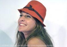 Chapeau feutre rouge bandeau noir