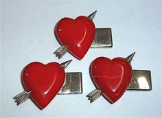 Retro Bakelite heart buttons
