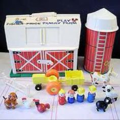 Played with this and other little houses like this at my gramma's when I was little....pretty sure she still has them too :)