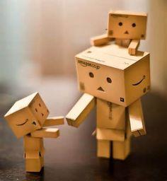 Danbo – A Cute Cardboard Robot