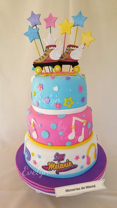 Cake # amapola y vainilla # fondant # cumpleaños # Soy Luna # relleno dulce de leche