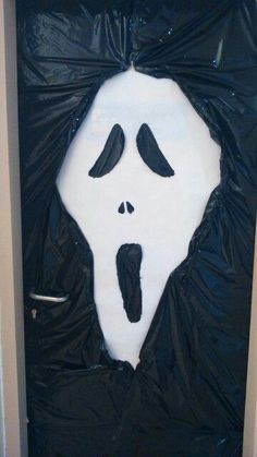Puerta halloween #halloweendoordecor Puerta halloween Halloween Door Decs, Diy Halloween Party, Casa Halloween, Halloween Office, Modern Halloween, Spooky Halloween Decorations, Halloween Signs, Outdoor Halloween, Halloween 2019