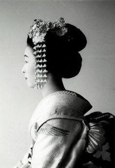 Black & White Maiko!~